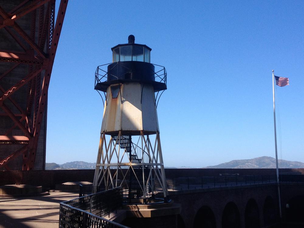 19-ftpoint-lighthouse02.jpeg