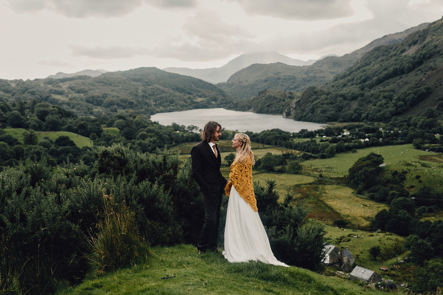 Snowdonia-Wales-Wedding-Photos-0365.jpg