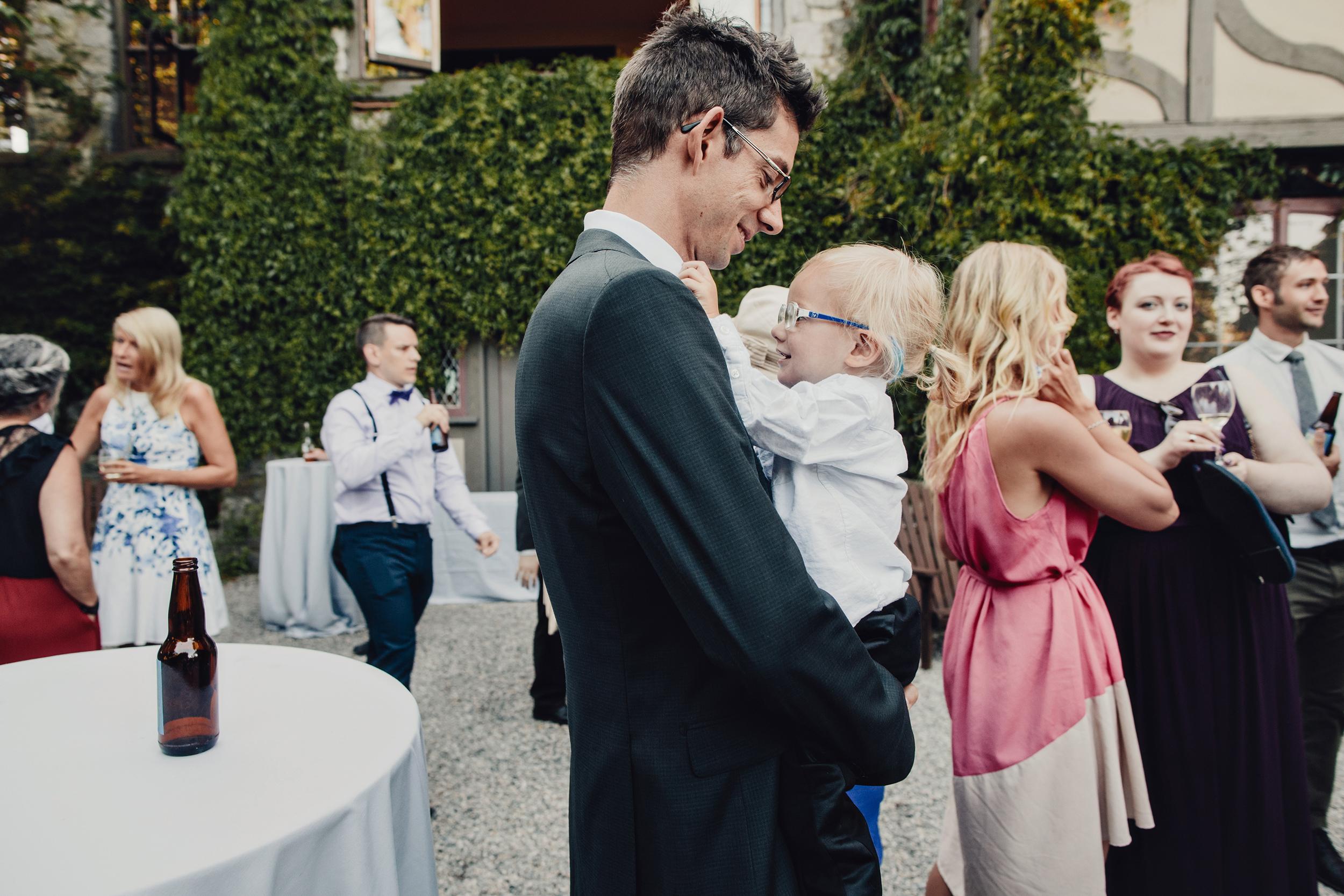english-inn-garden-wedding-victoria-0013.JPG