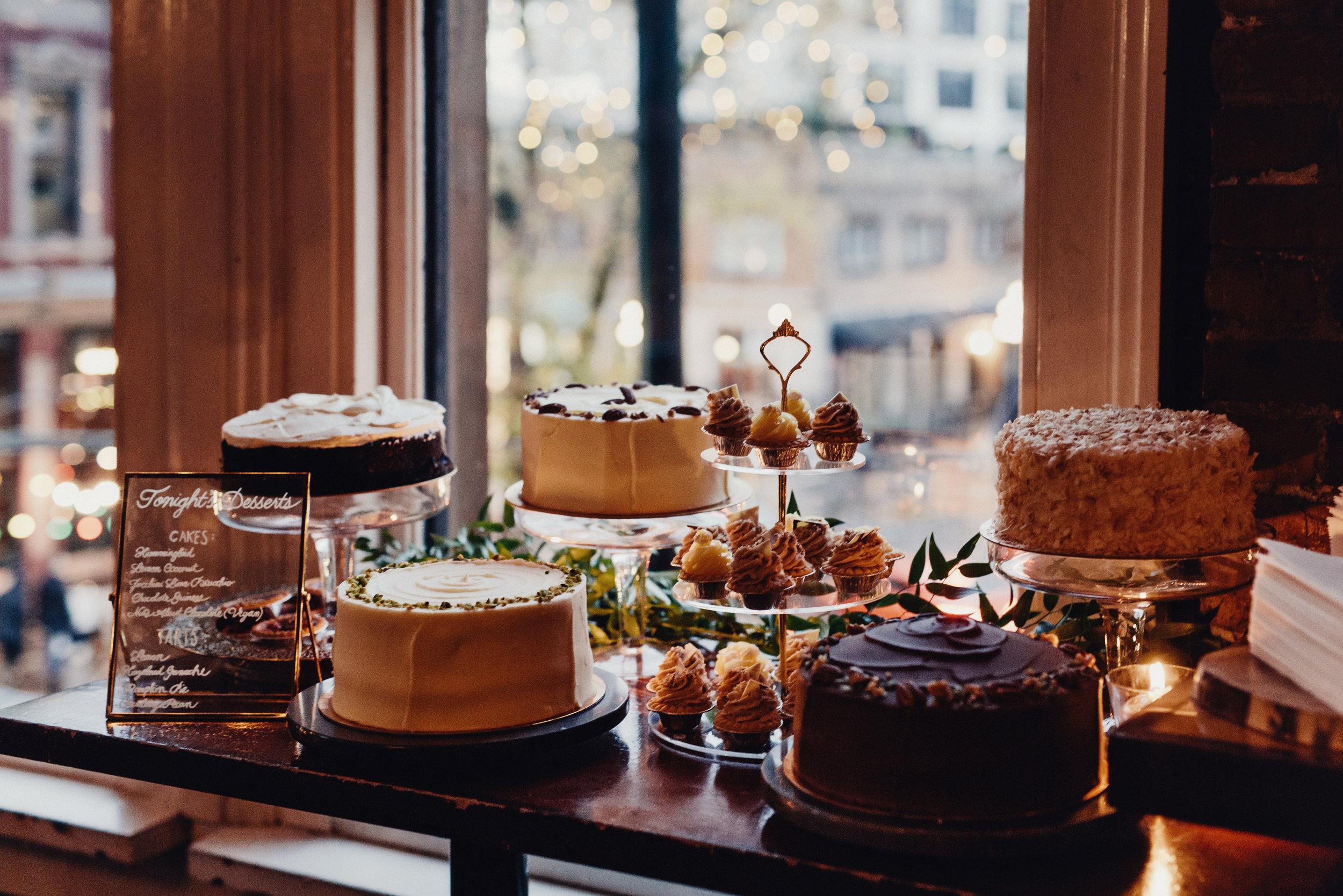 wedding cakes at the diamond restaurant vancouver british columbia