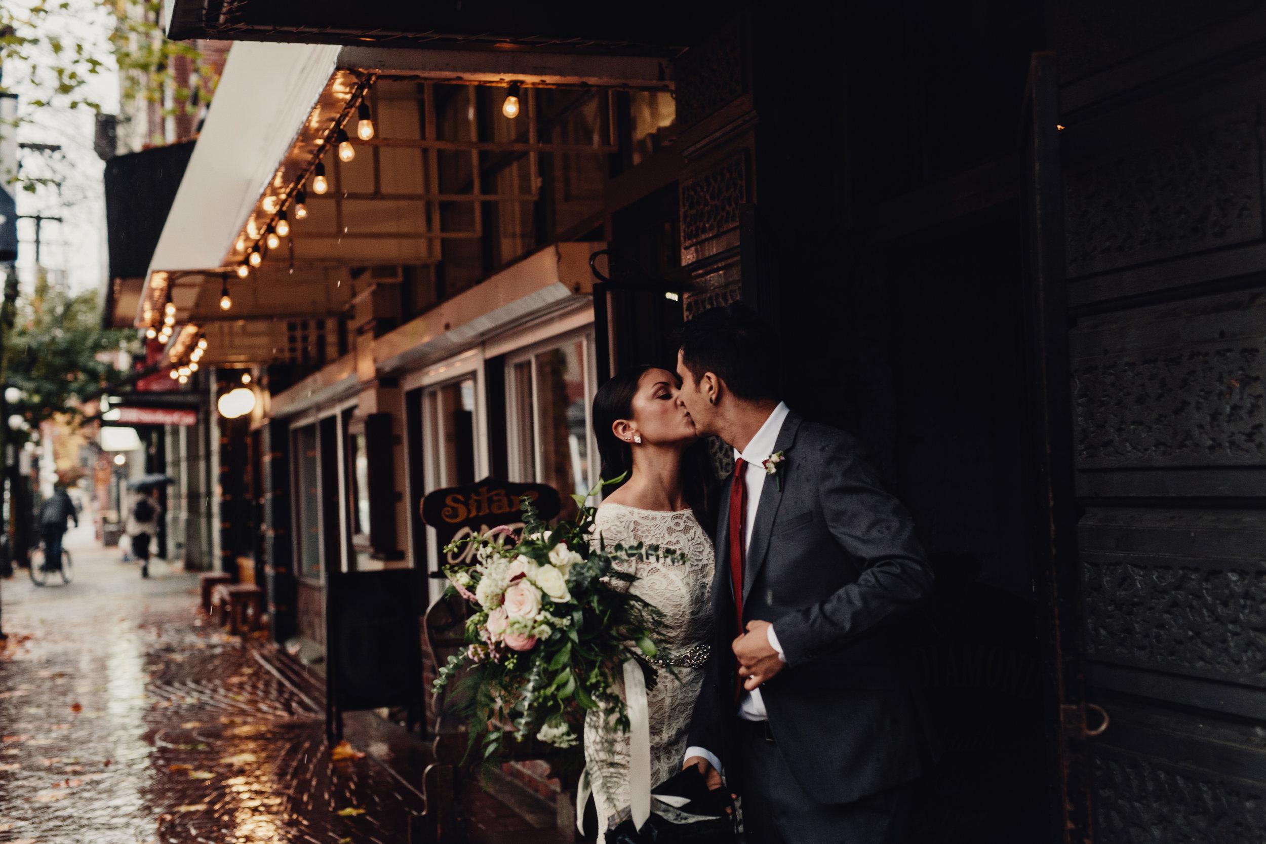 bride and groom outside the diamond restaurant