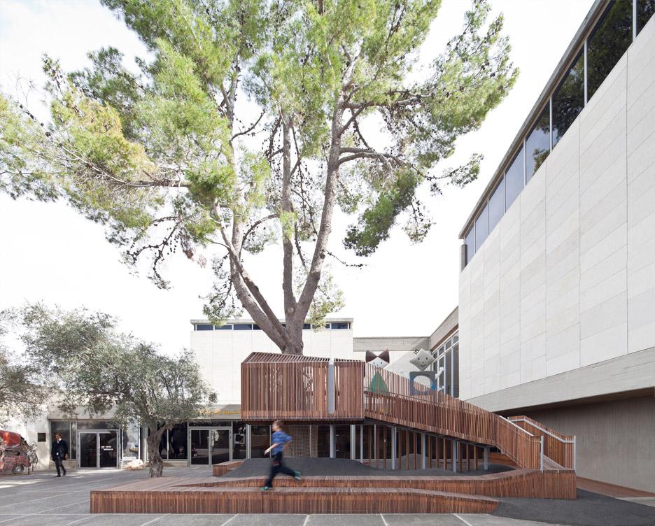 IMJ-tree-house-by-Ifat-Finkelman-and-Deborah-Warschawski_dezeen_936_8.jpg