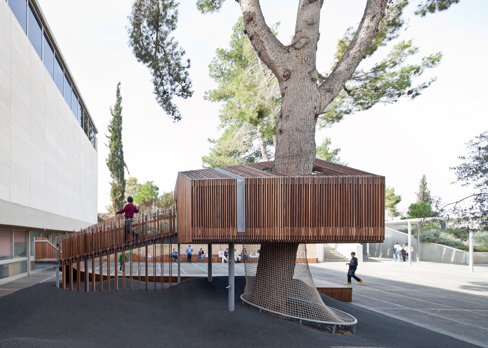 IMJ-tree-house-by-Ifat-Finkelman-and-Deborah-Warschawski_dezeen_1568_6.jpg