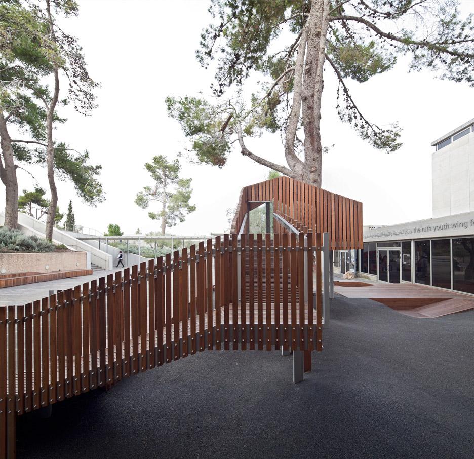 IMJ-tree-house-by-Ifat-Finkelman-and-Deborah-Warschawski_dezeen_936_10.jpg