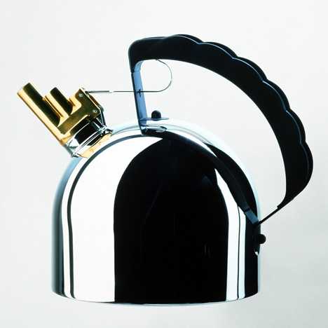 9091-kettle-by-Richard-Sapper-for-Alessi_dezeen_01.jpg
