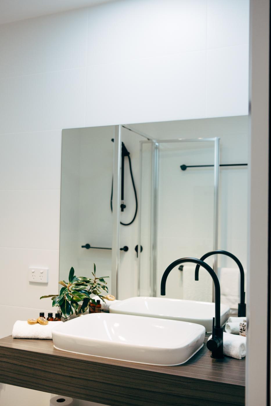 Bathrooms (3 of 6).jpg