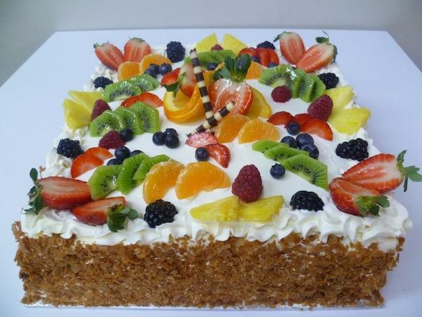 Gâteau aux fruits carré