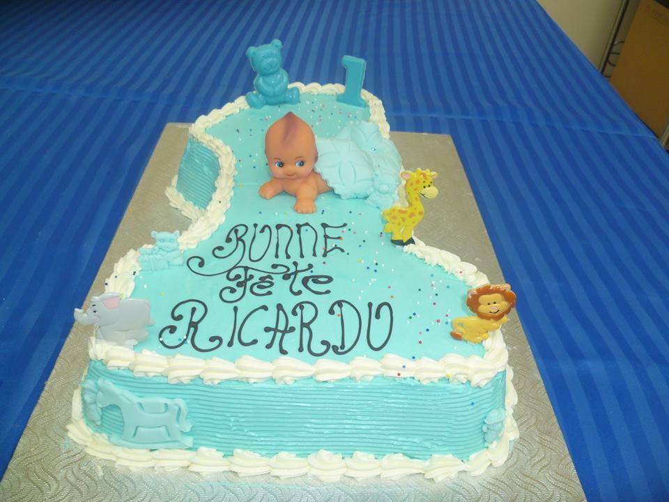 Gâteau d'anniversaire en forme de chiffre 1