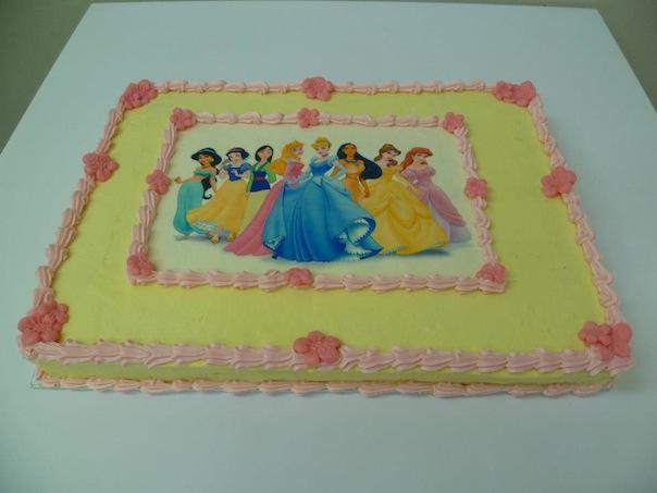 Gâteau d'anniversaire rectangulaire à motif imprimé 07