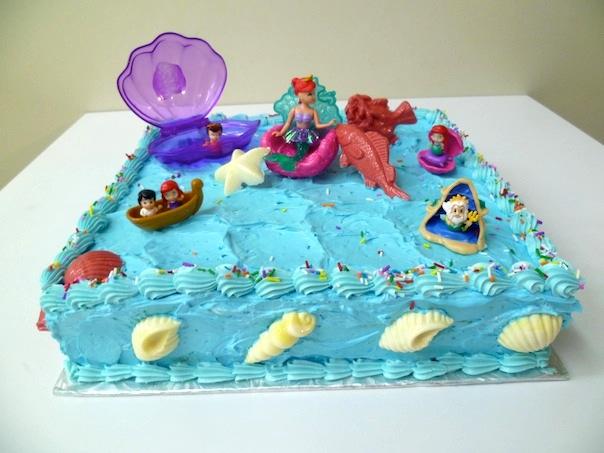Gâteau d'anniversaire carré 07
