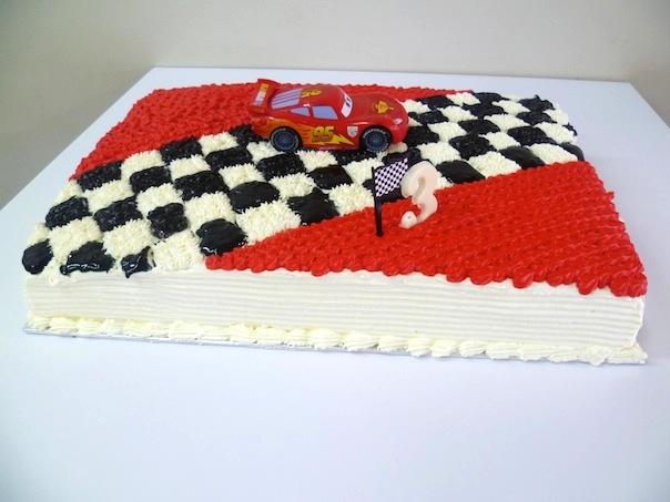 Gâteau d'anniversaire en piste de course 01