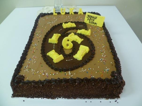 Gâteau d'anniversaire en piste de course 2