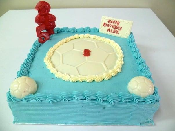 Gâteau d'anniversaire carré 11