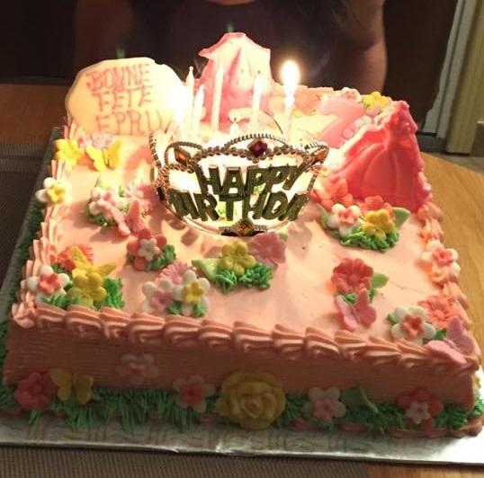 Gâteau d'anniversaire carré 05
