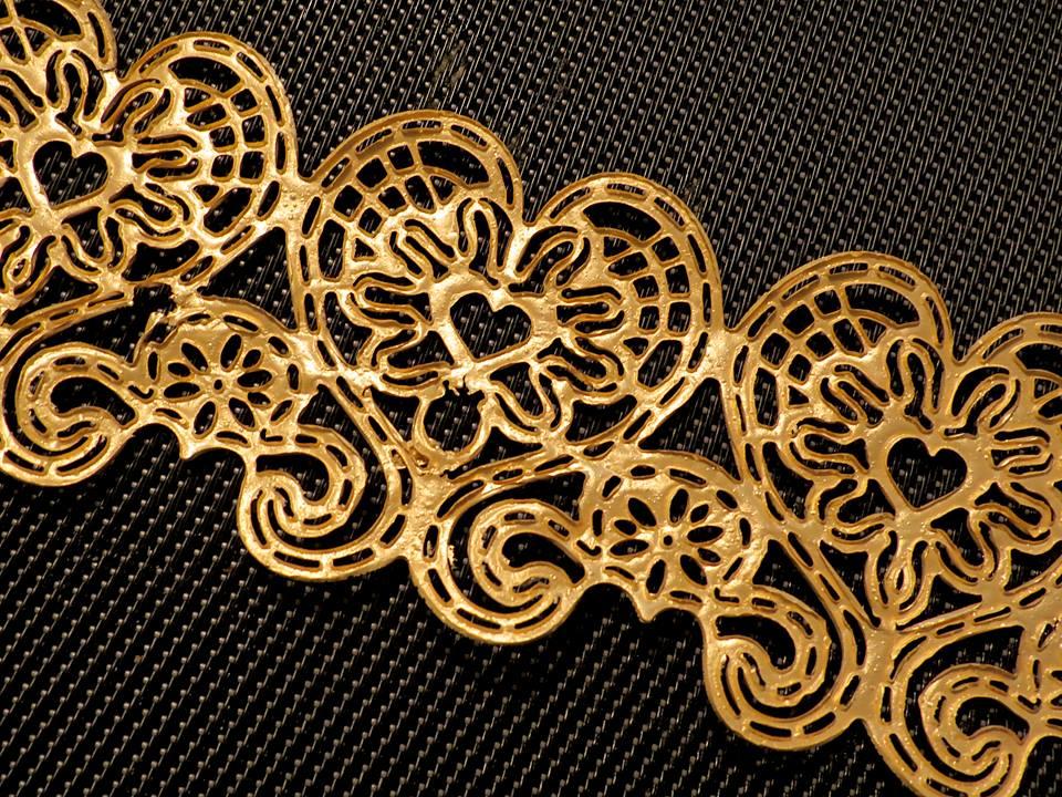 Edible lace (4).jpg