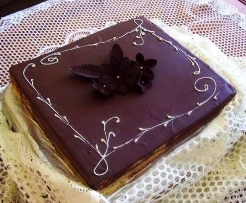 Gâteau classique carré 01