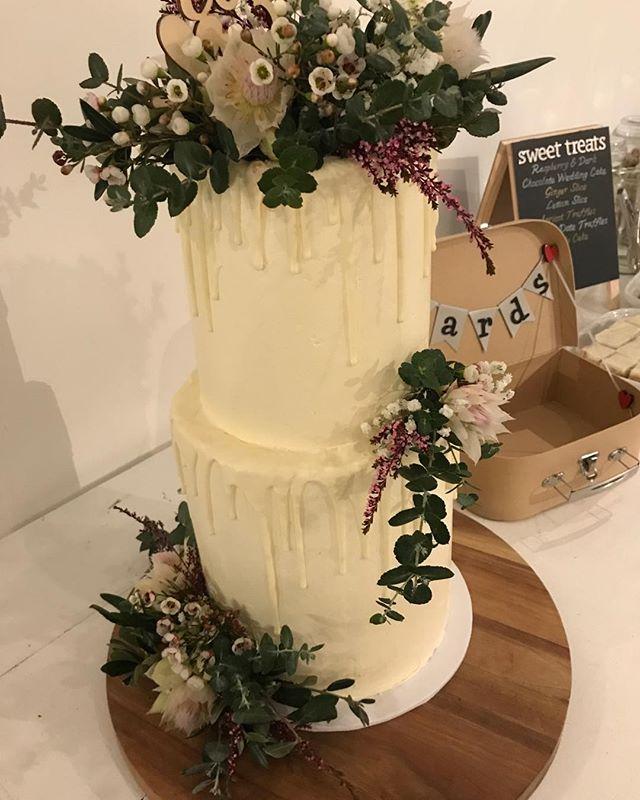 #Melissa.dev.  So much thanks for this wonderful cake #delicious #smartartzgallery #weddingcake #warehousewedding @smartartzgallery
