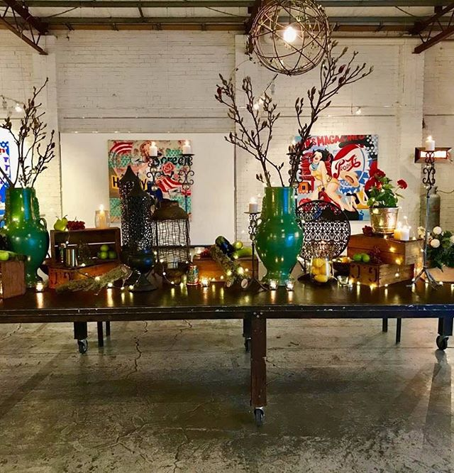Amazing table decoration @smartartzgallery #party #smartartzgallery warehouse #events #corporatespace #conference