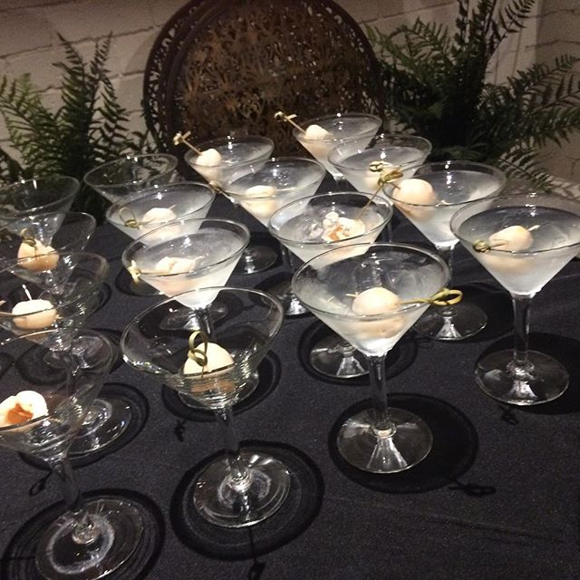 #lycheemartinis #lycheemargarita #smartartzgallery #warehousevenue #warehouseeventspace #conferencevenue #corporatebreakfast #warehousewedding #weddingfun  anyone for a lychee martini ? Very popular at the moment
