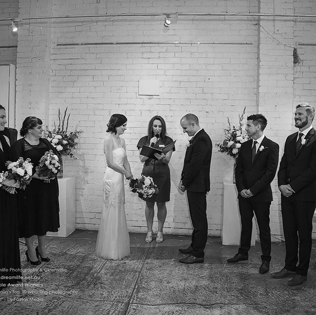 Stunning couple #smartartzgallery #warehouseeventspace #warehousevenue #weddingfun #wedding #industrialeventspace #waregousewedding #melbouneweddingvenue @smartartzgallery