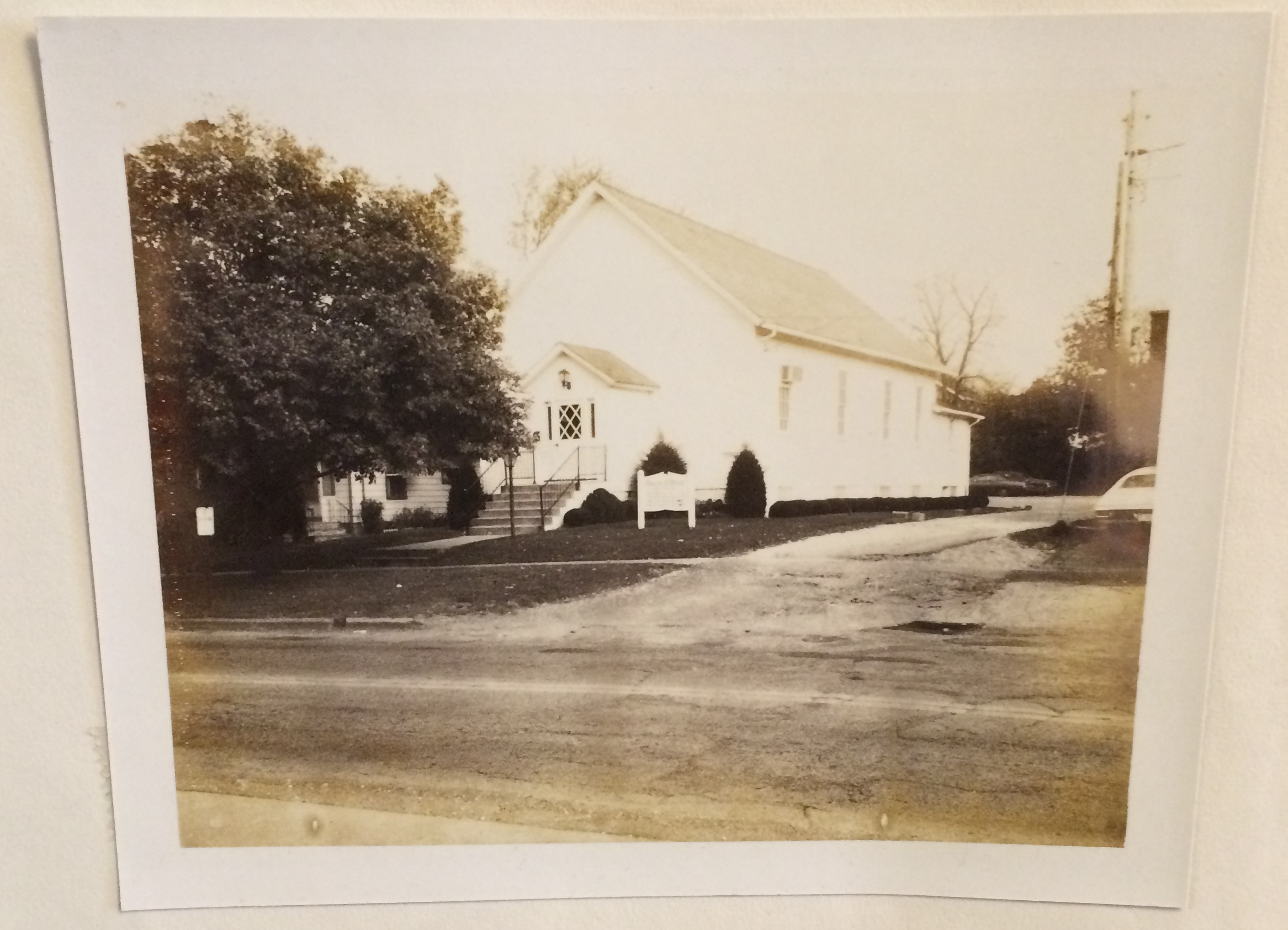 Kent church of Christ 1975.png