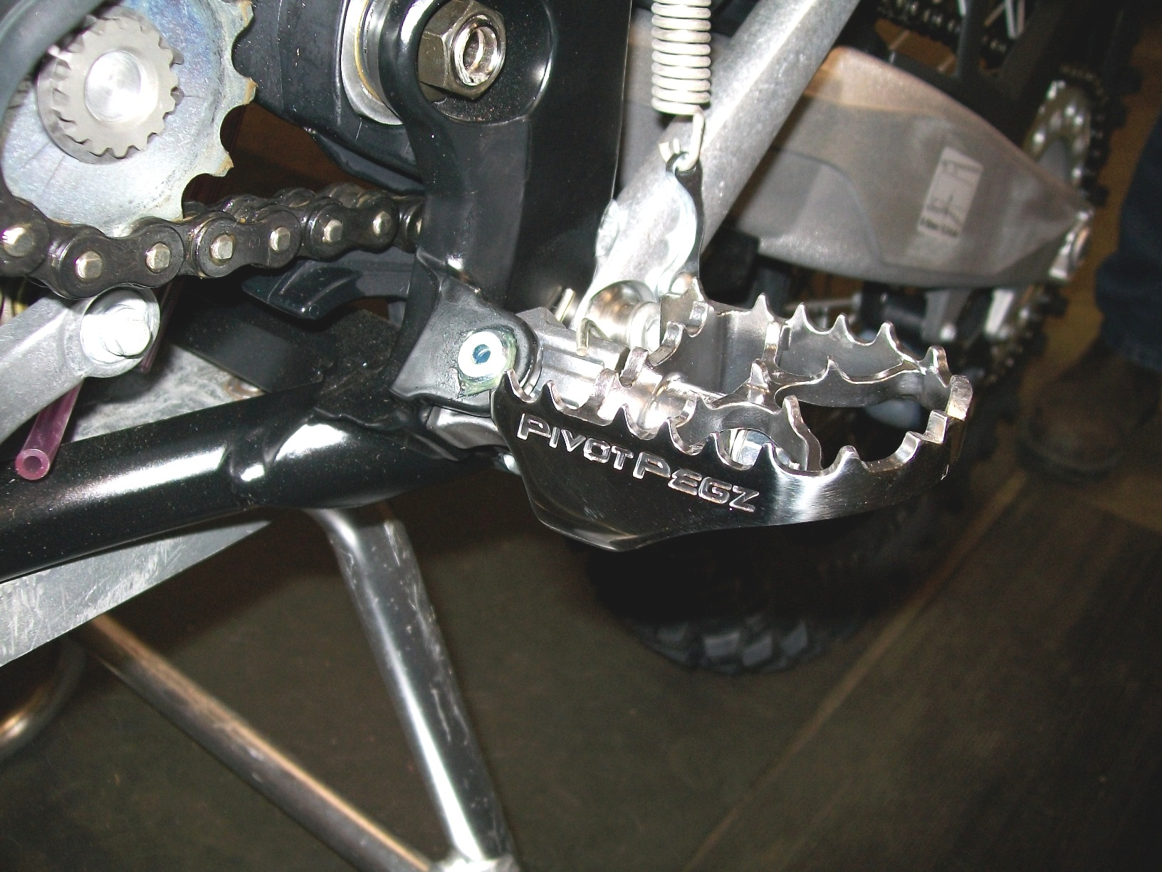 New KTM 450 EXC fitted with MK3 Pivot Pegz
