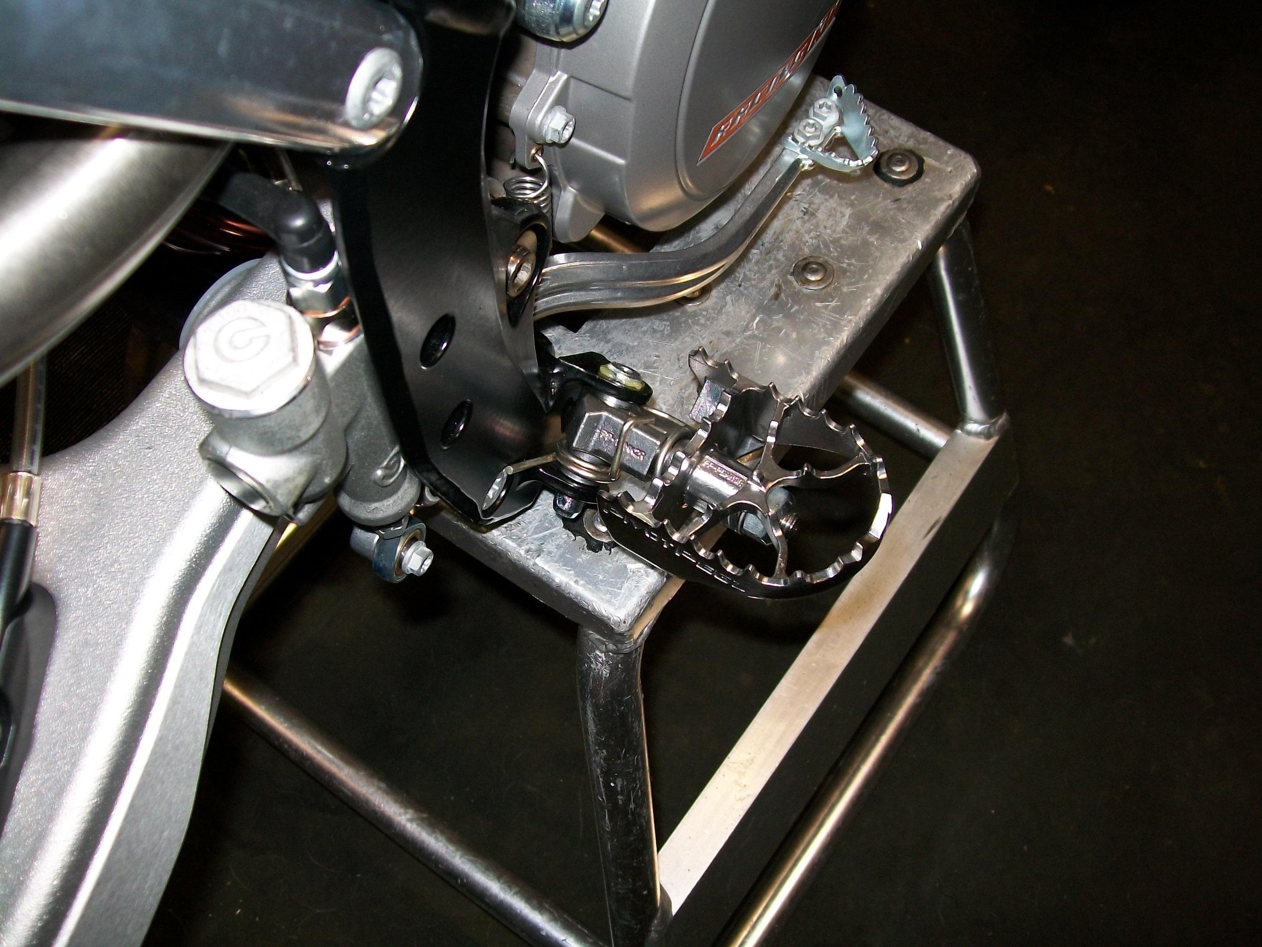 MK3 Pivot Pegz on 2011 KTM 300. 2.JPG