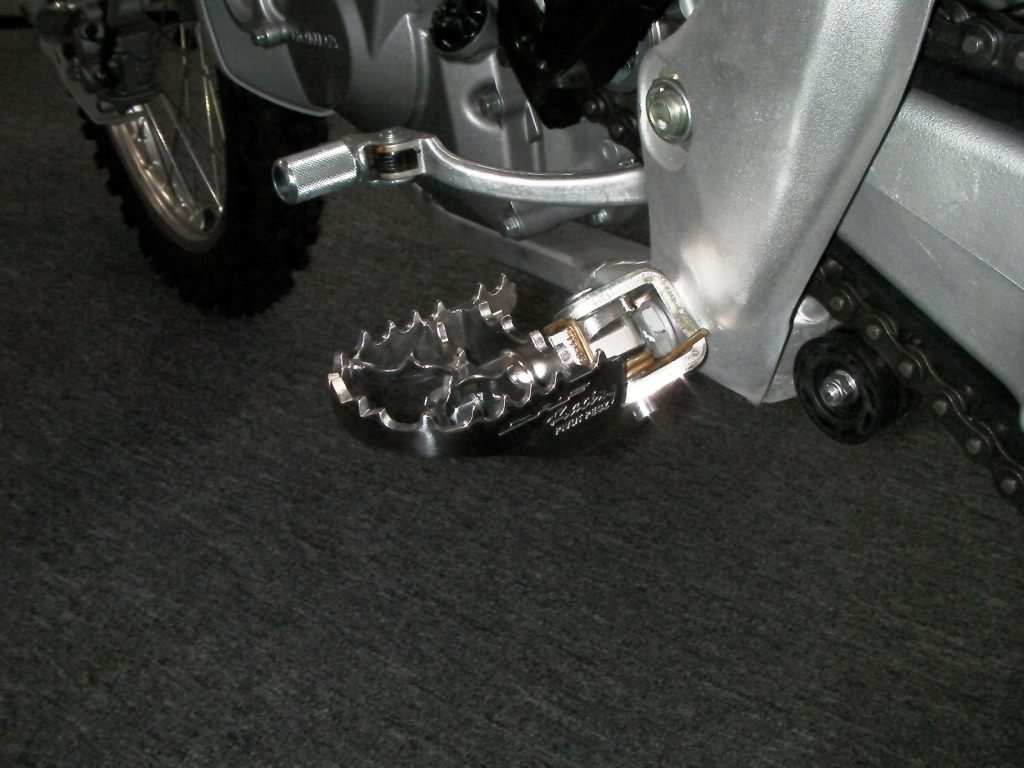 Pivot Pegz fitted to a CRF450F
