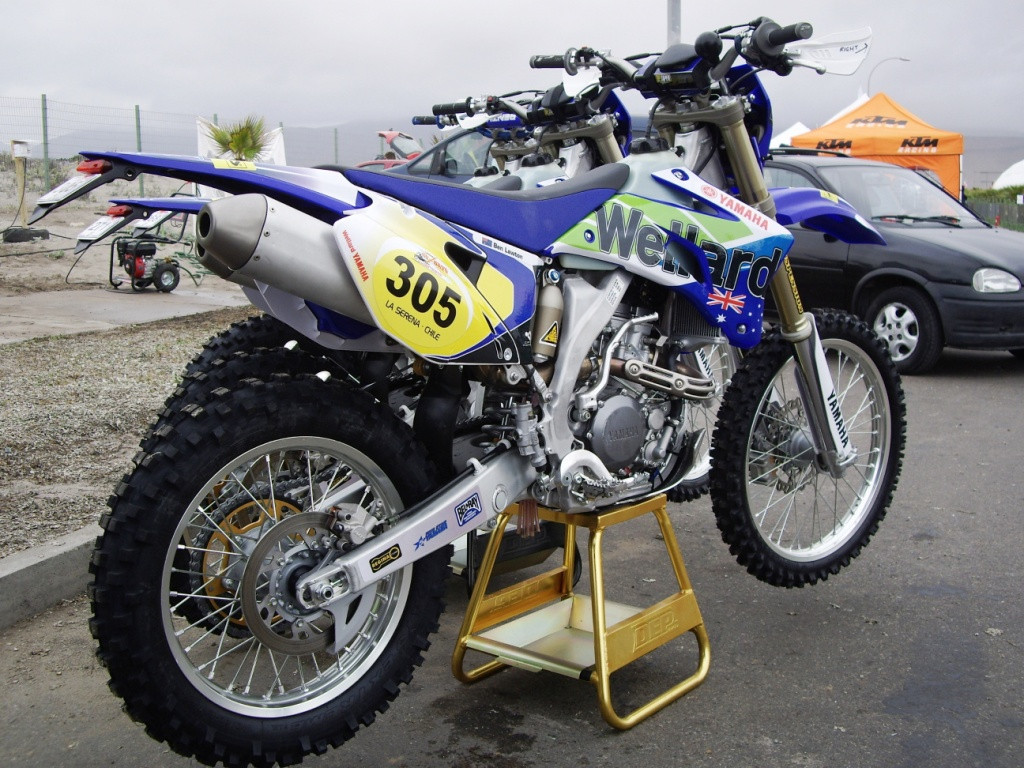 ISDE Pivot Pegz equipped race bike