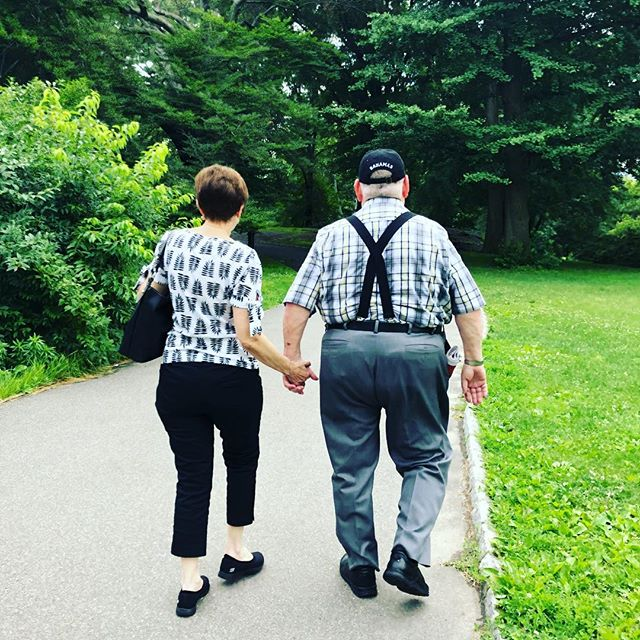 Happy 44th 👰 🎩 wedding anniversary to these two baes. Recently spotted strolling through Central Park holding hands like it was their first date. May we all be so lucky to share such a love. Happy anniversary mom and dad. We love you! ❤️😘❤️