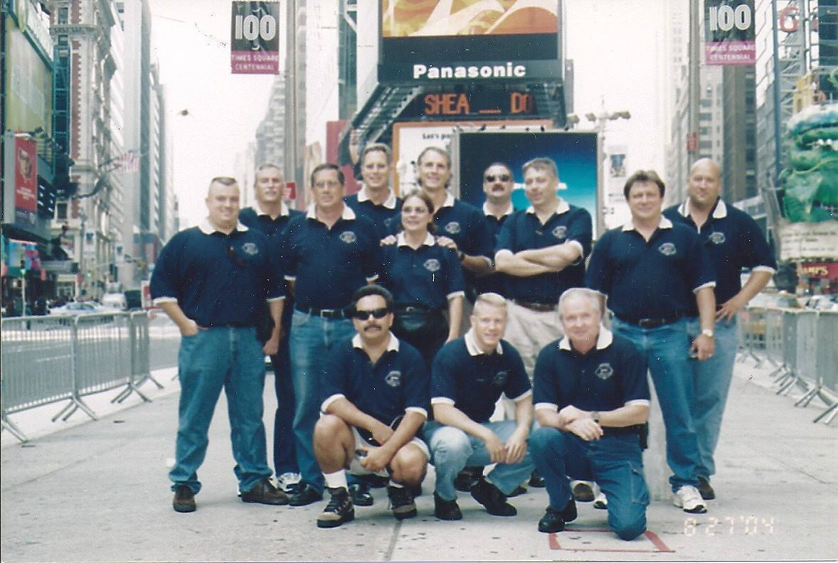 Agents in Times Square 3.jpg