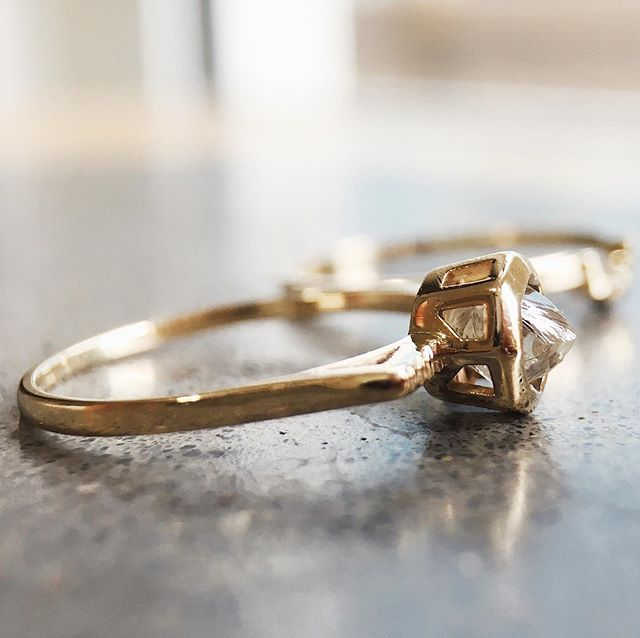 A raw diamond passed on from one generation to the next and used to create this 14k engagement ring ✖️