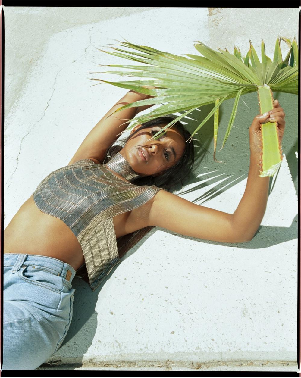 bianca-armer-sheen-shawlace-palm-leaf.jpg