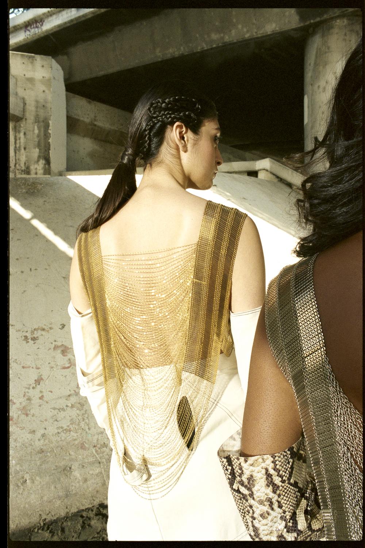 bianca-armer-hi-low-sheen-shawlace-2.jpg