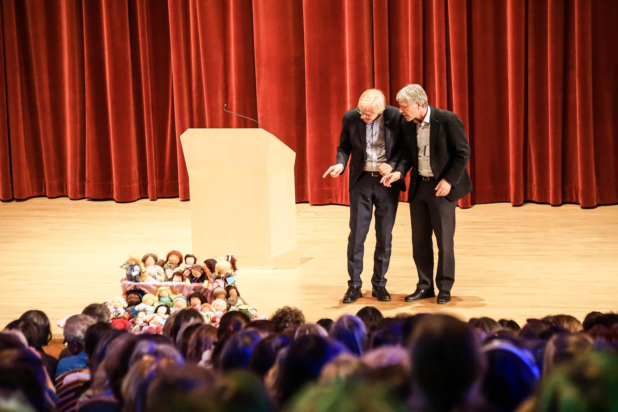 Claus-Peter Röh, Florian Osswald: Eröffnung der Tagung ohne Worte.
