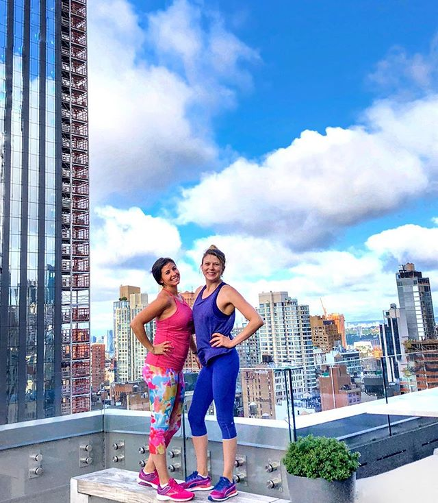 Kicked off hump day with a rooftop workout by @travelfitlove who is the first person I email for global travel tips. 🌎  Perk- also got to meet other women who run their own businesses, love to travel and shared amazing business tips & advice. So, all before 8:30am, I spent time outside, got my heart rate up, met new friends, got some life & biz inspiration, and THIS is why putting myself out there, being present when possible & supporting others is always #worthit (even though I certainly didn't feel like going when my alarm went off this morning- real talk). #womensupportingwomen