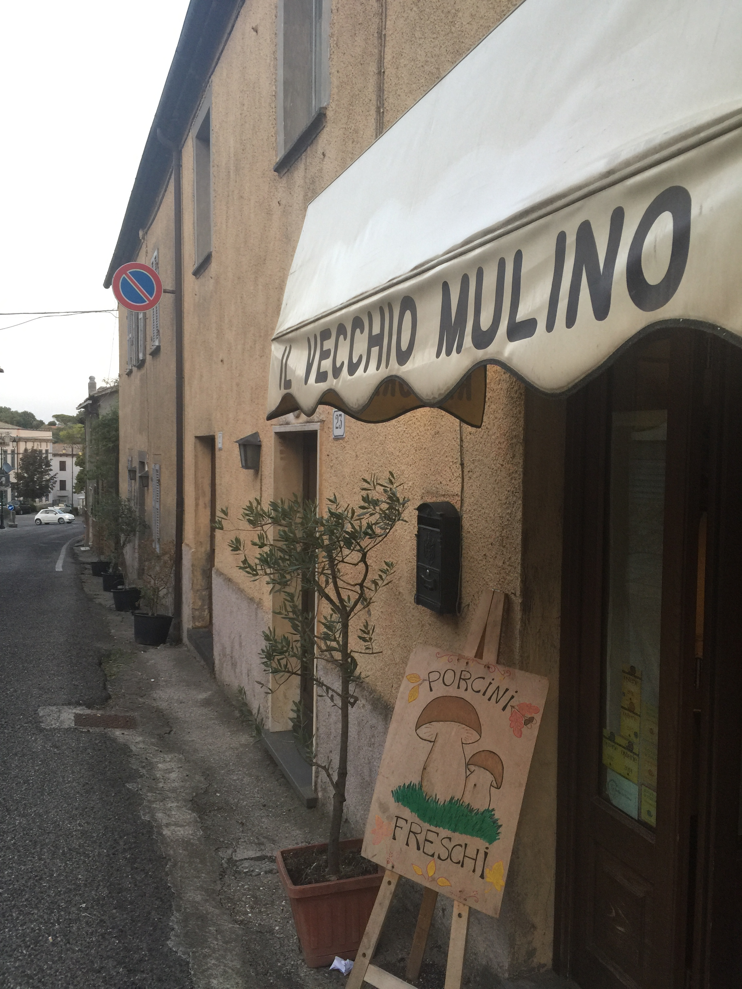 The quaint restaurant Il Vecchio Mulino along Lubriano's main street serving fresh mushroom dishes also pairs them with some of the best vintages of Antinori wines. Great in value as well!(Photo credit: Sumi_Sumilier). D'amico's guest house adjacent to the restaurant charmingly tucked away. (Photo credit: Sumi_Sumilier)