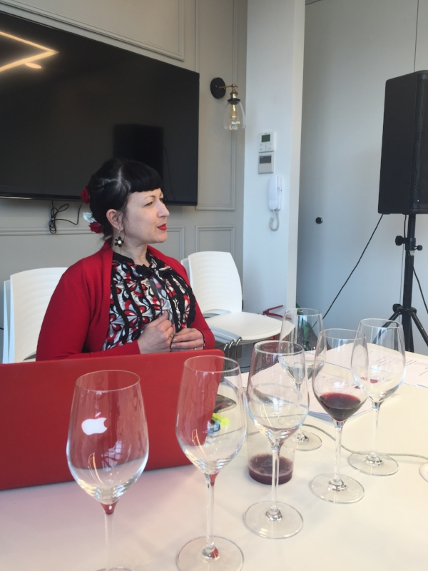 Jo Burzynska on Wine and Music, part of her PhD research (Photo credits: Sumi_Sumilier)
