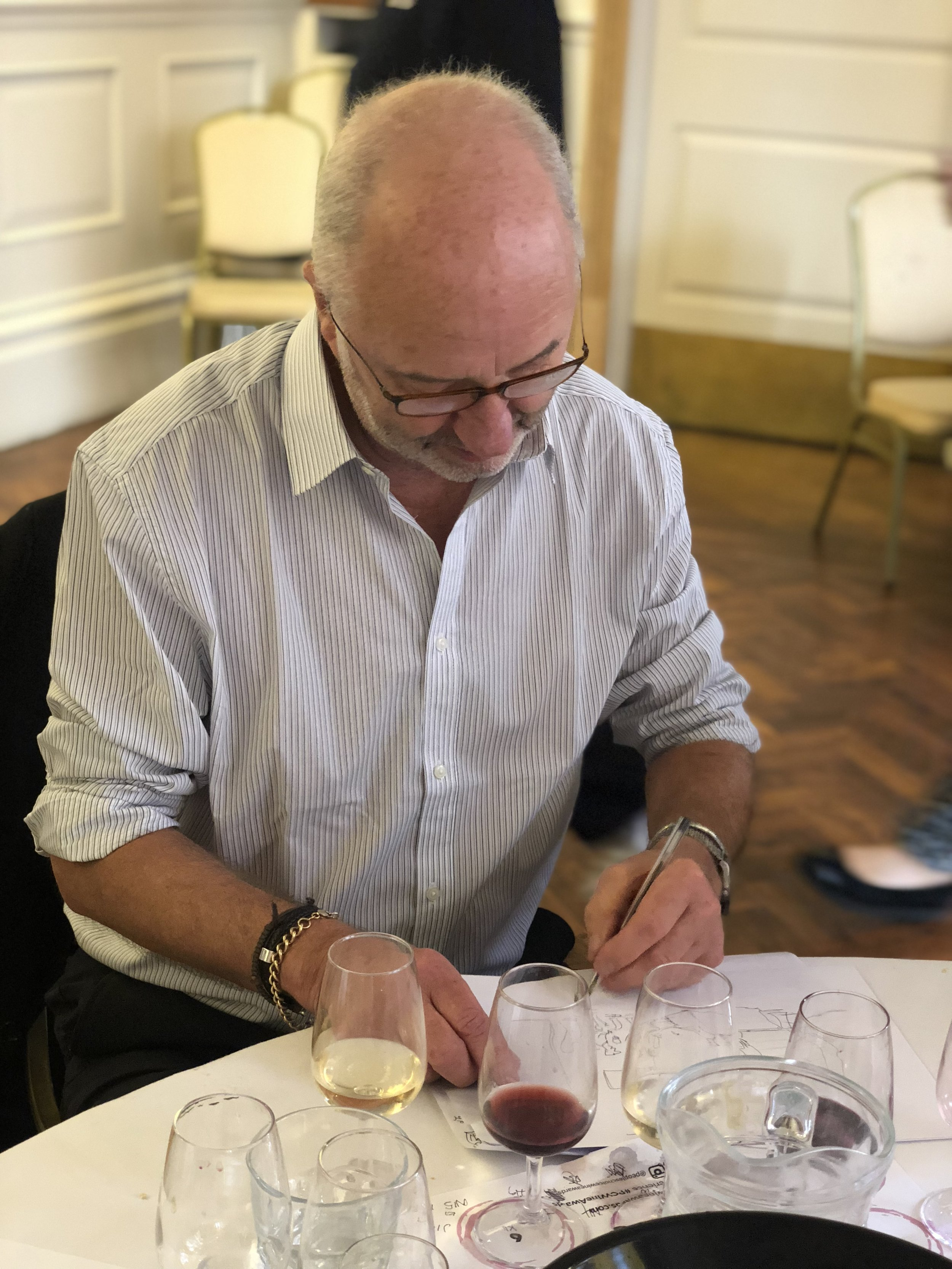 Tony Husband of Private Eye sketching in between, a unique artist among us! (Image: Sumi Sarma)