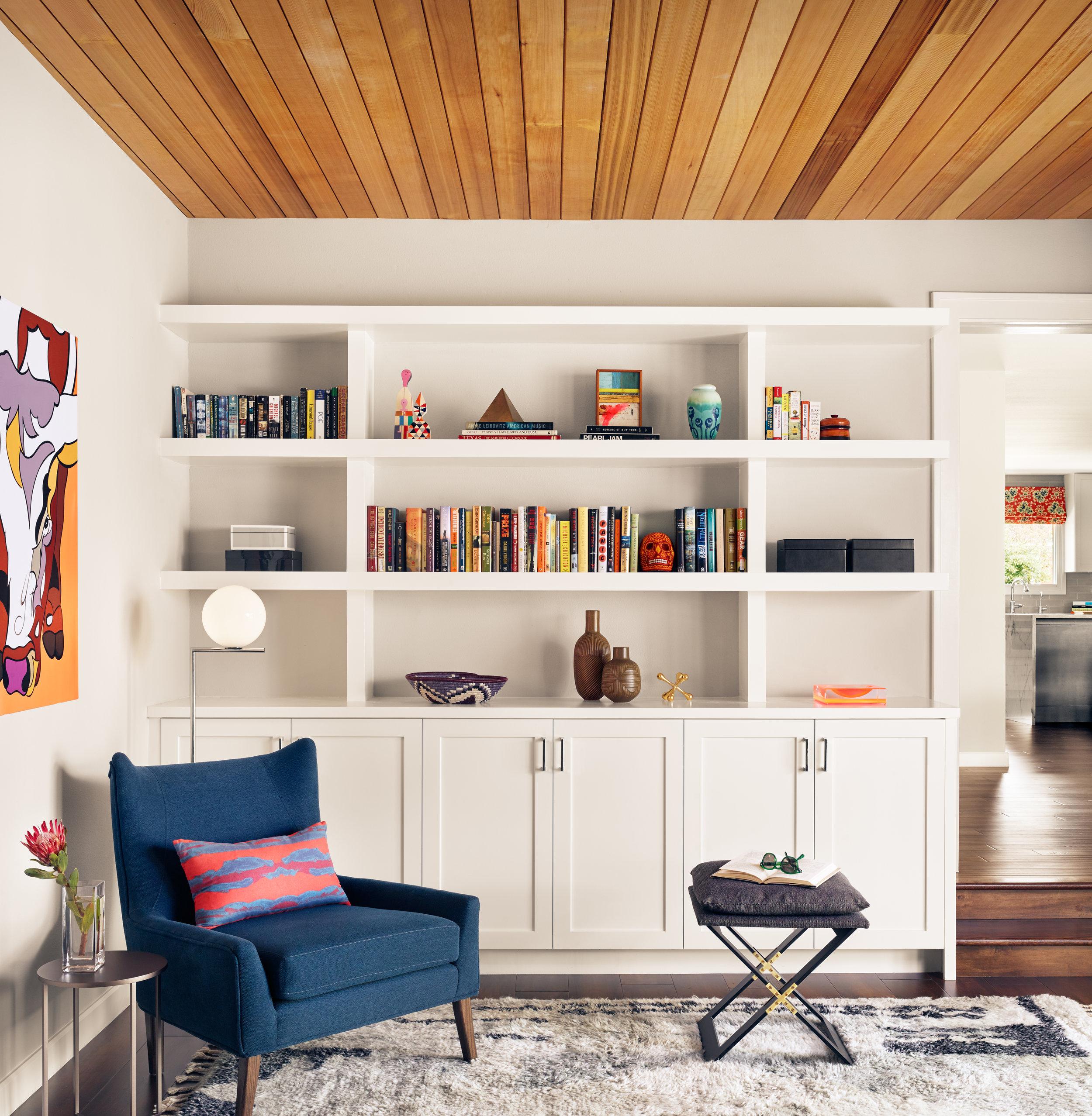 bookshelf115537.jpg