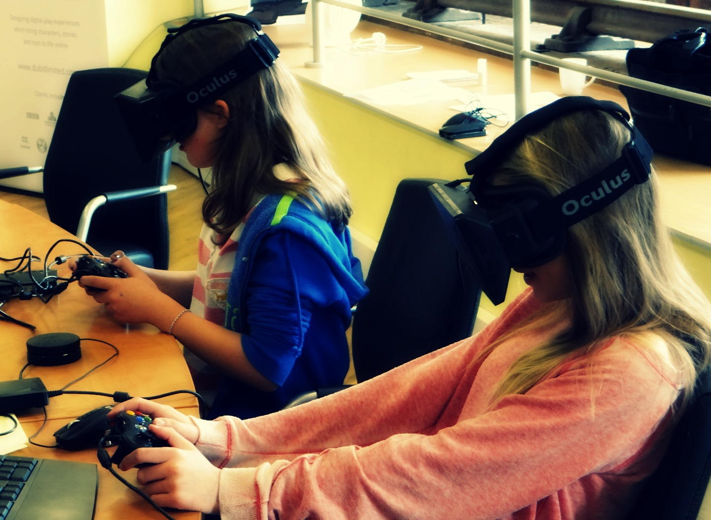 Creating Virtual Reality games with Oculus Rift