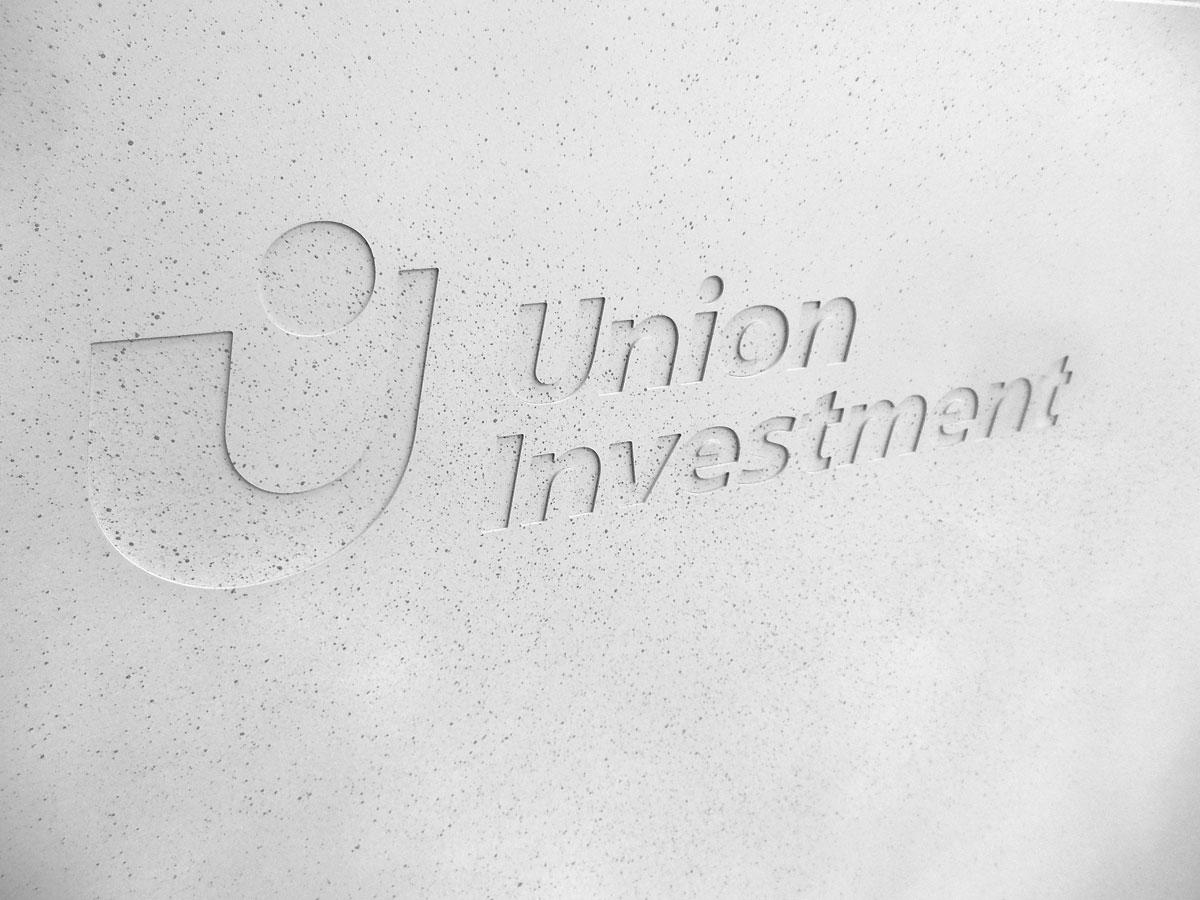 Praegung-Detail-Union-Investment-Beton.jpg
