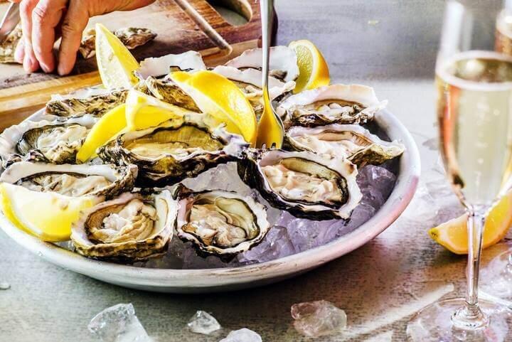 Benguela-Cove-Oysters-MCC.jpg