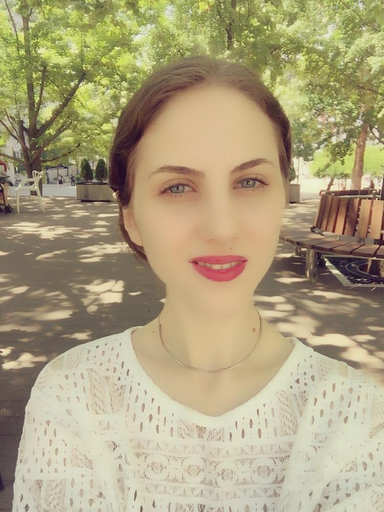 Silvia Pencu_photo.jpg