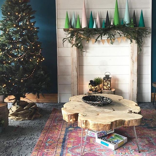 Merry Christmas and Happy Birthday to me and Jesus.  Looking forward to some great Helmy projects this year. • • • • #architecturehome #pnw #portland #oregon #photography #reclaimed #helm #helmwoodcraft #handmade #handcrafted #wood #woodworking #carpentry #reclaimed #reclaimedwood #salvage #table #dining #family #stories #corner #local #custom  #helm #helmwoodcraft #handmade #handcrafted #wood #woodworking #carpentry #reclaimed #reclaimedwood #salvage #table #dining #family #stories #corner #local #custom