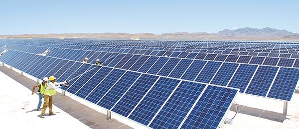 Manutenção do sistema de energia solar. Mais fácil em condomínios grandes.