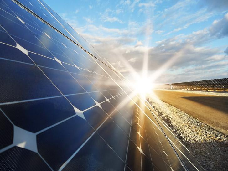 A energia solar fotovoltaica é fonte que mais se destaca, com 3.494 conexões.