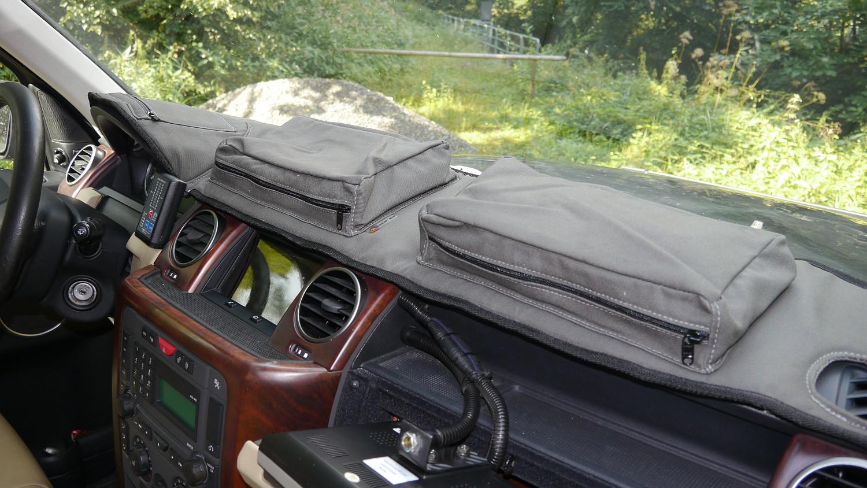 Escape Gear Armaturenbrettauflage Land Rover Discovery 3 01.JPG