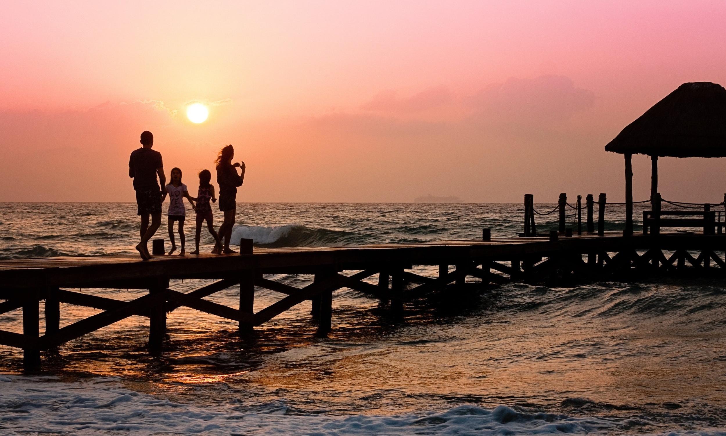 family-pier-man-woman-39691.jpeg