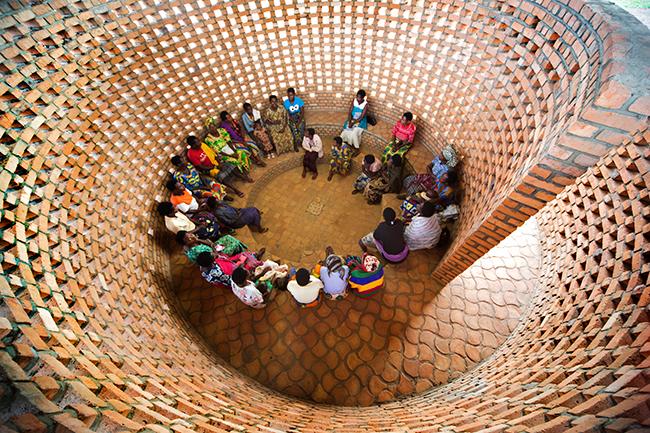 Small-Women's-Opportunity-Center-in-Kasungu,-Rwanda,-by-Sharon-Davis-Design-and-Women-for-Women-International.-(Photo-by-Elizabeth-Felicella)-(1).jpg